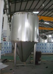 上海农家庄园啤酒设备2000L,发酵罐,糖化设备