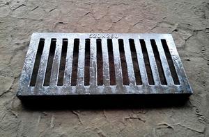球墨铸铁单篦子铸铁沟盖雨水篦子排水沟盖板雨水井盖