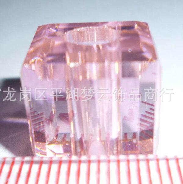 样398#  24.27*24.74  粉红通孔磨边锆石图片一