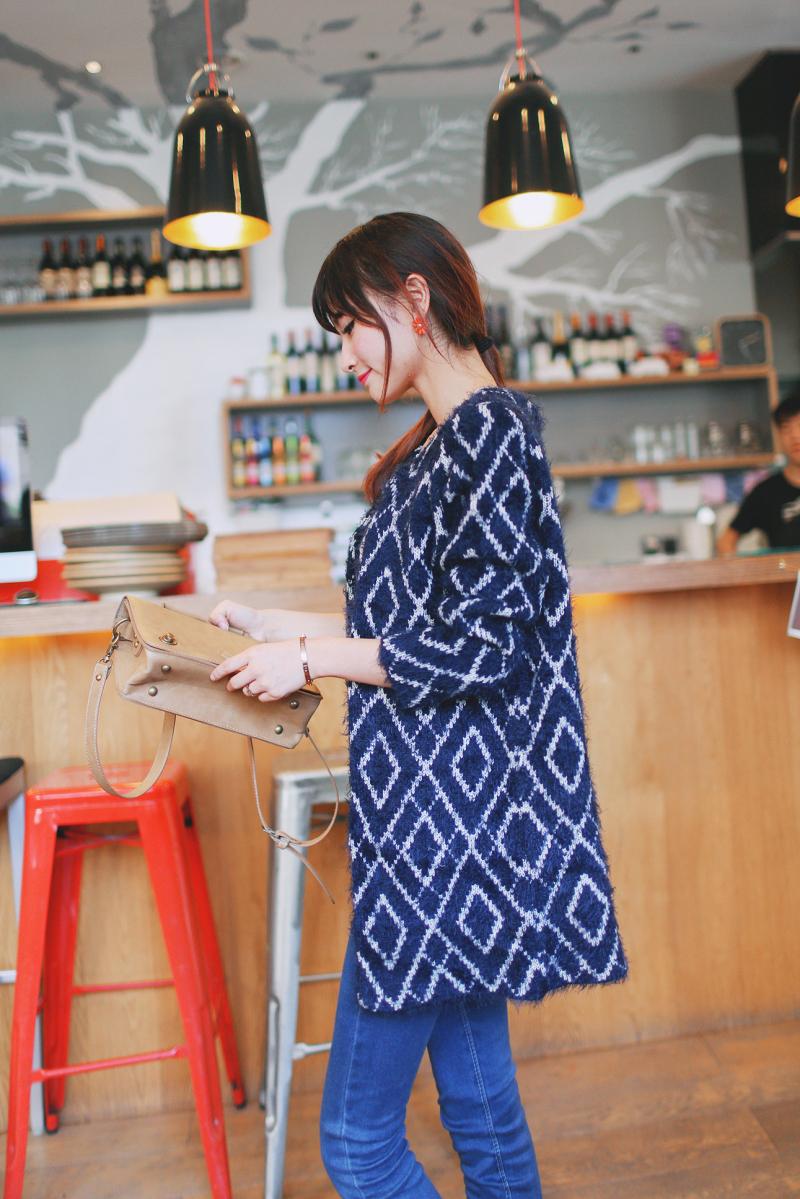秋装女装新款韩版中长款圆领马海毛针织衫开衫图片二