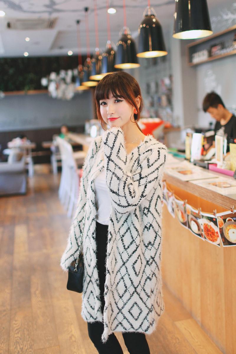 秋装女装新款韩版中长款圆领马海毛针织衫开衫图片三