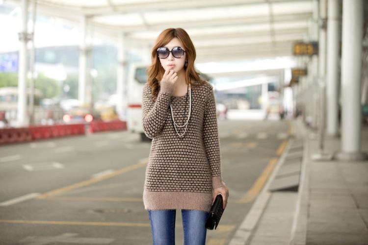 秋冬新款韩版中长款圆点马海毛针织衫毛衣图片五