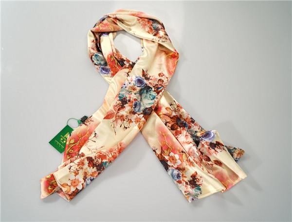 鸿乐水印花面料100%桑蚕丝丝巾复古风围巾披肩图片五
