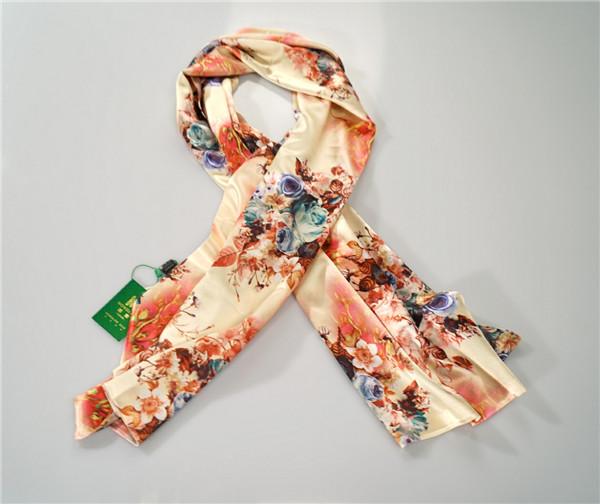 鸿乐水印花面料100%桑蚕丝丝巾复古风围巾披肩图片六