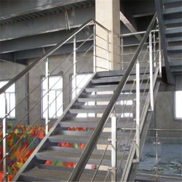 钢结构阁楼楼梯图片一