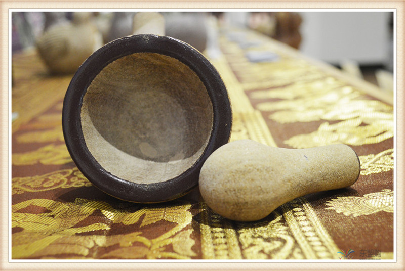 柬埔寨 砂石传统碾磨钵体 柬埔寨工艺品 居家用品 0205236图片五