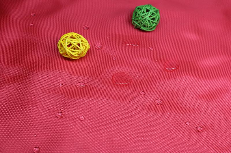 热销 斜纹染色涤纶布 600Dx600D长丝涤防水图片三