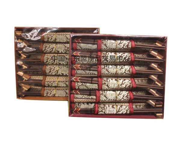 【泰国进口】泰国风情品筷子礼盒 柚木筷子餐垫礼盒图片三