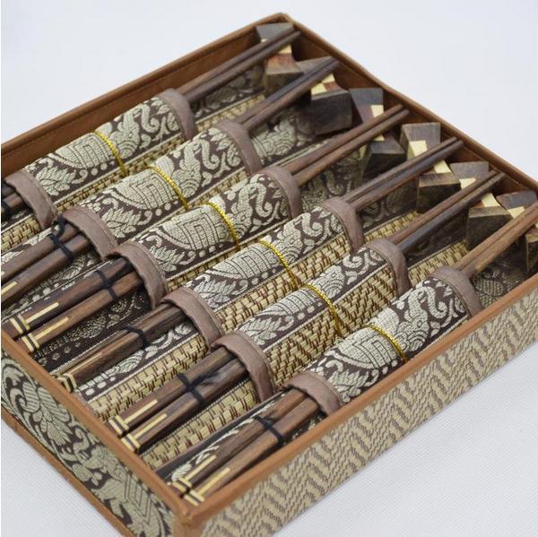 【泰国进口】泰国风情品筷子礼盒 柚木筷子餐垫礼盒图片一