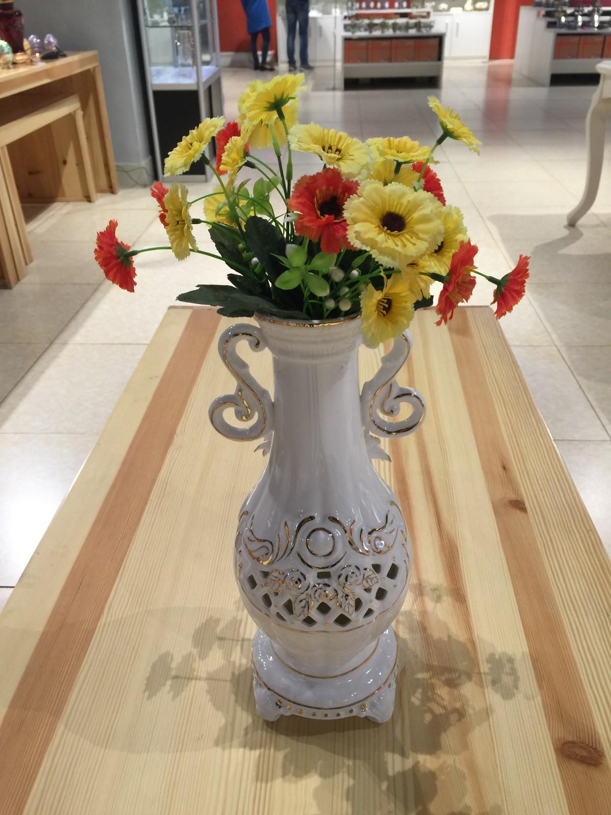 俄罗斯陶瓷工艺品 玫瑰花瓶图片一
