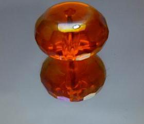 水红色锆石扁珠、锆石刻面珠