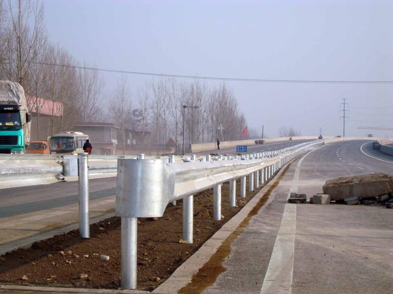 高速公路护栏板,防盗护栏丝,喷塑护栏板
