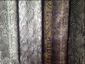 【蛇纹印花色丁】桃皮绒包装里布箱包里布窗帘布