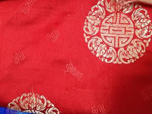 【织锦缎】装帧布 包装布 色织提花布 红底团花 中国风