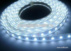 LED5050白光高亮低压防水套管滴胶裸板软灯条