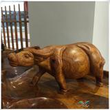老挝草花梨木雕运势牛摆件红木工艺品