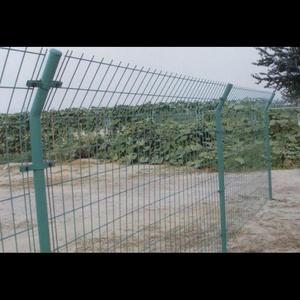 郑州双边护栏网,防护网,荷兰网护栏网----华南城