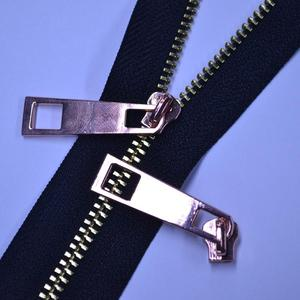 3号金属拉头和金属拉链组合展示